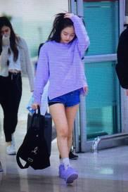 Blackpink-Jennie-Airport-Fashion-22-April-2018-photo-31