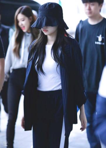 Blackpink Jennie Airport Fashion 5 April 2018 Incheon