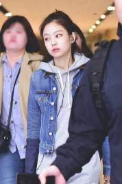 Blackpink Jennie Airport Fashion 26 March 2018