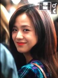 Blackpink-Jisoo-Airport-Fashion-20-April-2018-photo-11