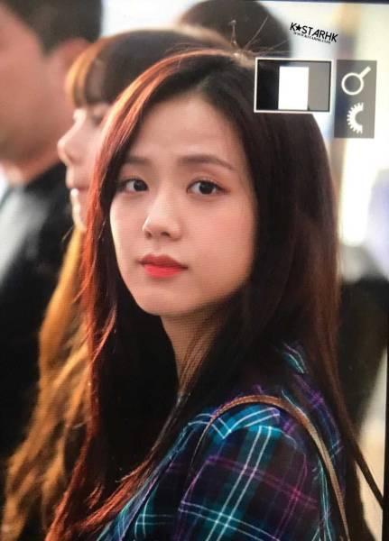 Blackpink-Jisoo-Airport-Fashion-20-April-2018-photo-12