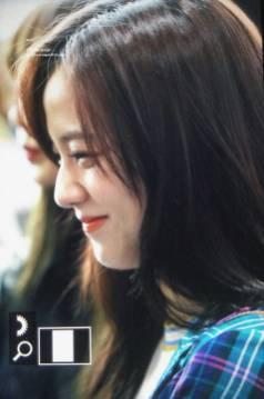Blackpink-Jisoo-Airport-Fashion-20-April-2018-photo-17