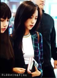 Blackpink-Jisoo-Airport-Fashion-20-April-2018-photo-3