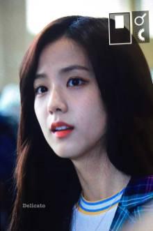 Blackpink-Jisoo-Airport-Fashion-20-April-2018-photo-6