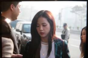 Blackpink-Jisoo-Airport-Fashion-20-April-2018-photo-7