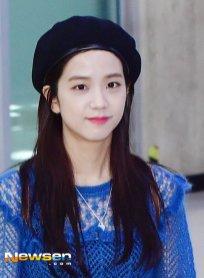 Blackpink Jisoo Airport Fashion 22 April 2018 photo 9