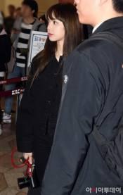Blackpink-Lisa-Airport-Fashion-20-April-2018-photo-21