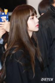 Blackpink-Lisa-Airport-Fashion-20-April-2018-photo-24
