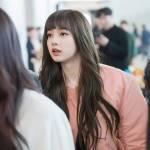 Blackpink Lisa Airport Fashion bomber jacket 25 march 2018