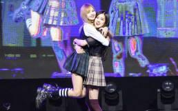 Blackpink-Rose-Lisa-Chaelisa-Myongji-University-Festival-2017