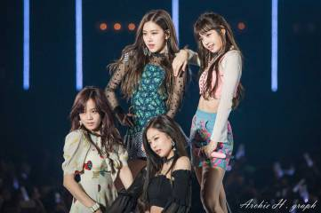 Blackpink-Tokyo-Girls-Collection-2018-photo-45