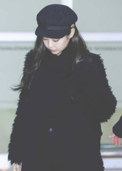 blackpink-jennie-airport-photo-8