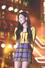 blackpink-jennie-performance-photo-7