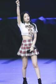 blackpink-jennie-university-festival-2018-photo-5