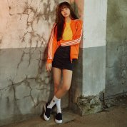 BLACKPINK LISA ADIDAS ORIGINALS