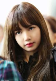 Blackpink-Lisa-Airport-Fashion-20-April-2018-HQ-3