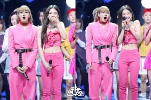 BLACKPINK Jennie Lisa MBC Music Core 23 June 2018 photo HQ