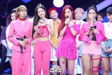 BLACKPINK MBC Music Core 23 June 2018 photo HQ 4