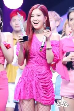 BLACKPINK Rose MBC Music Core 23 June 2018 photo HQ 6