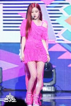 BLACKPINK Rose MBC Music Core 23 June 2018 photo HQ