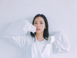 BLACKPINk Jisoo High Cut Magazine behind the scenes 4