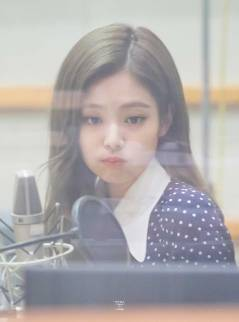 BLACKPINK-Jennie-KBS-Cool-FM-Volume-Up-Photo-49