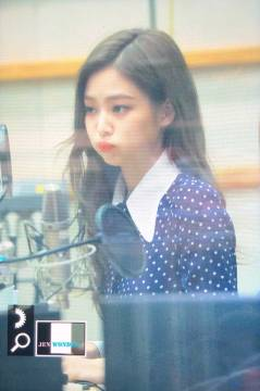 BLACKPINK-Jennie-KBS-Cool-FM-Volume-Up-Photo-58