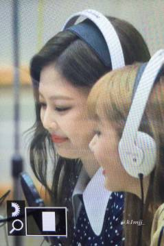BLACKPINK-Jennie-KBS-Cool-FM-Volume-Up-Photo-7
