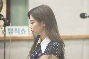 BLACKPINK-Jennie-KBS-Cool-FM-Volume-Up-Photo-87
