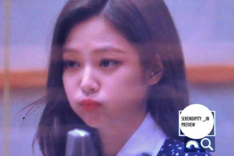 BLACKPINK-Jennie-KBS-Cool-FM-Volume-Up-Photo-93