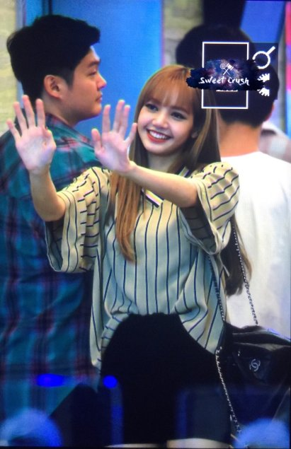 BLACKPINK Lisa KBS Cool FM Volume Up Photo 29