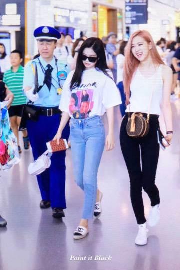 BLACKPINK-Jennie-Airport-Photo-26-July-2018-Kansai-Osaka-7