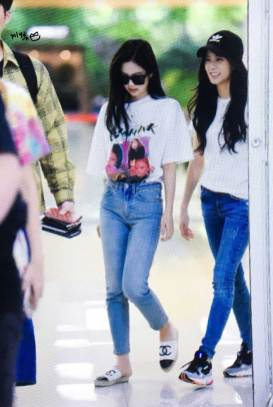BLACKPINK-Jennie-Jisoo-Airport-Photo-26-July-2018-Gimpo-12
