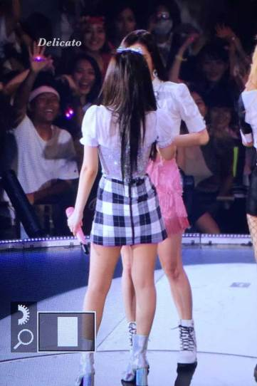 BLACKPINK-Jennie-Jisoo-Japan-Arena-Tour-Day-1-Osaka