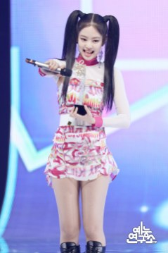 BLACKPINK Jennie MBC Music Core 7 July 2018 PD Note 4