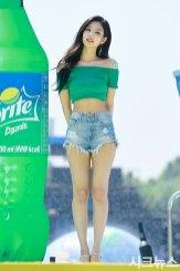 BLACKPINK-Jennie-Sprite-Waterbomb-Festival-Seoul-19