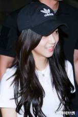 BLACKPINK-Jisoo-Airport-Photo-26-July-2018-Gimpo