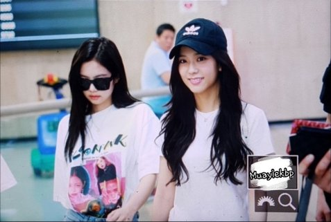 BLACKPINK Jisoo Jennie Airport Photo 26 July 2018 Gimpo 13