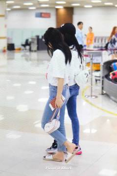 BLACKPINK-Jisoo-Jennie-Airport-Photo-26-July-2018-Gimpo-15