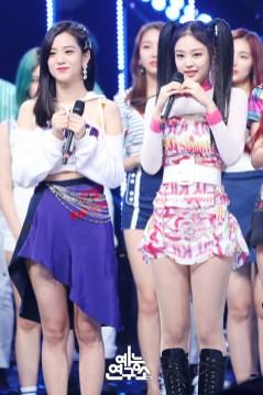 BLACKPINK Jisoo Jennie MBC Music Core 7 July 2018 PD Note
