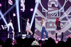 BLACKPINK Jisoo Jennie Rose Lisa MBC Music Core 7 July 2018 PD Note 3