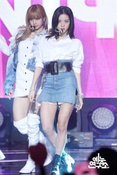 BLACKPINK Jisoo Lisa MBC Music Core white outfit 30 June 2018 photo