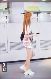 BLACKPINK-Lisa-Airport-Photo-26-July-2018-Kansai-Osaka-2