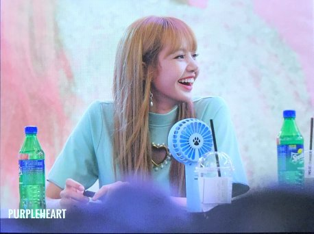 BLACKPINK Lisa Fansign event Yeouido July 8, 2018 IFC Atrium 7