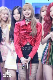 BLACKPINK Lisa MBC Music Core 14 July 2018 PD Note Photo 5