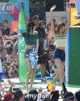 BLACKPINK Lisa Sprite Waterbomb Festival Seoul 86