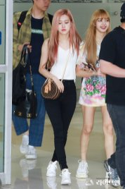 BLACKPINK Rose Airport Photo 26 July 2018 Gimpo 20