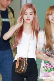 BLACKPINK Rose Airport Photo 26 July 2018 Gimpo 26