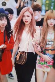 BLACKPINK-Rose-Airport-Photo-26-July-2018-Gimpo-40