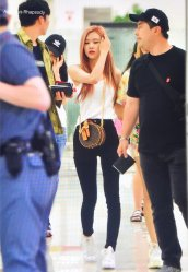 BLACKPINK Rose Airport Photo 26 July 2018 Gimpo 5